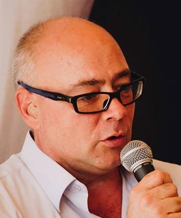 András László